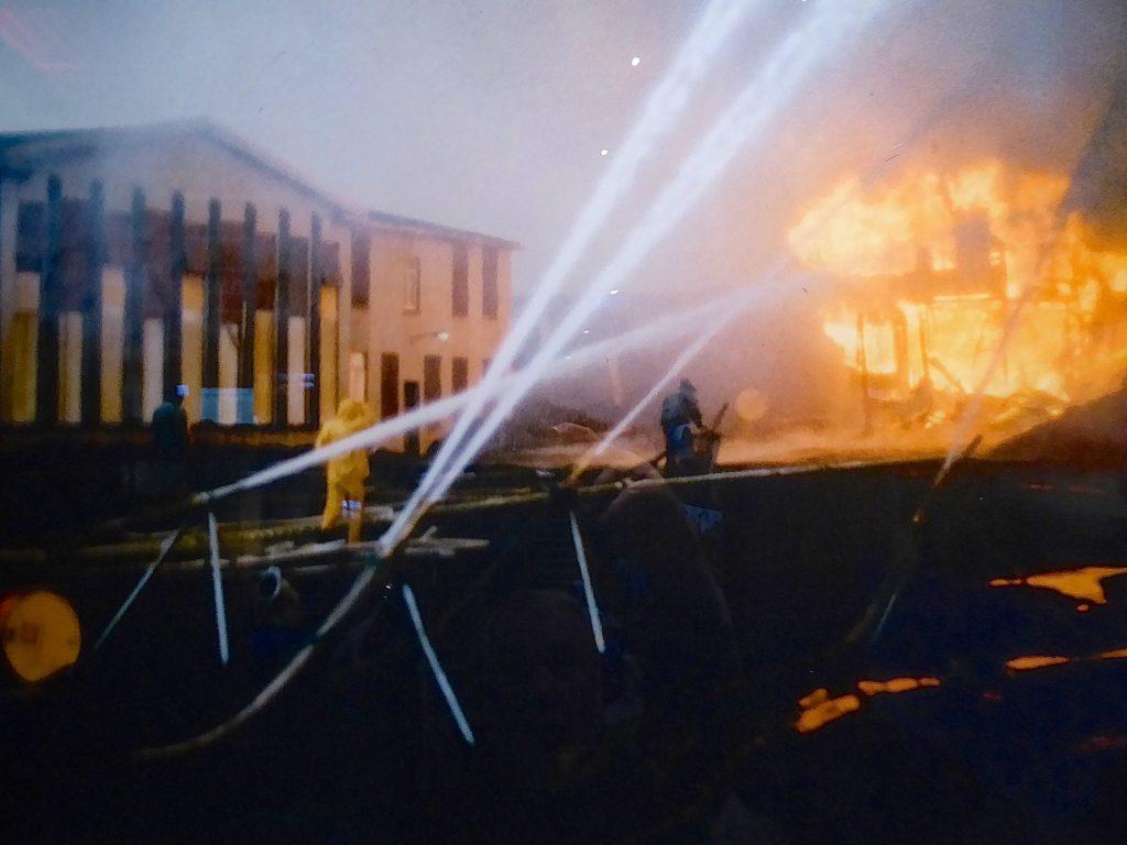 Herr werden über die Feuer und Lavamassen beim Vulkanausbruch auf den Westmänner Inseln