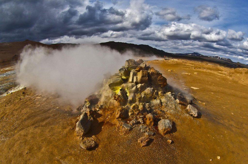 Dampf aus Felsen, Hochthermalgebiet in Island