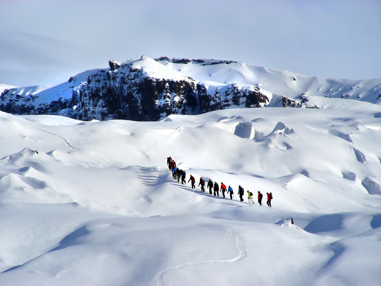 Island, Suedisland, Myrdalsjokull, Gletscherwanderung, Eis, Schnee, Touristengruppe, Gletscher, Gletscherzunge