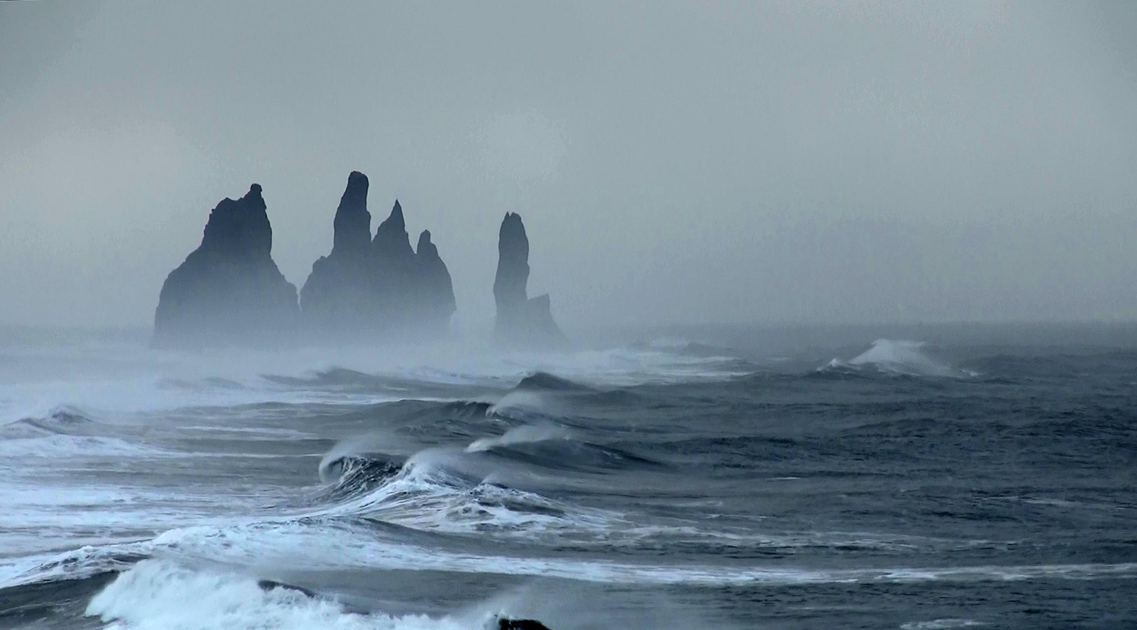 Island, Suedisland, Vik, Reynisdrangar, Meer, Wellen, Sturm,