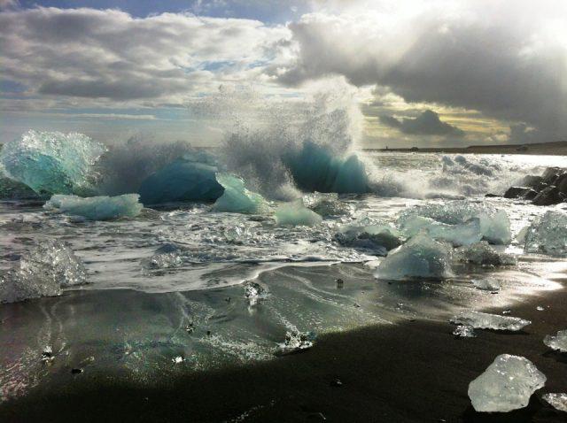 Island, Suedisland, Strand, bei Joekulsarlon, Eis, Eisberge, Gletscher, Meer