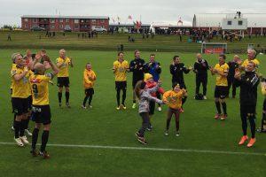 Fußball Kinder Akranes, Reiseerlebnis mit Bjarnheidur