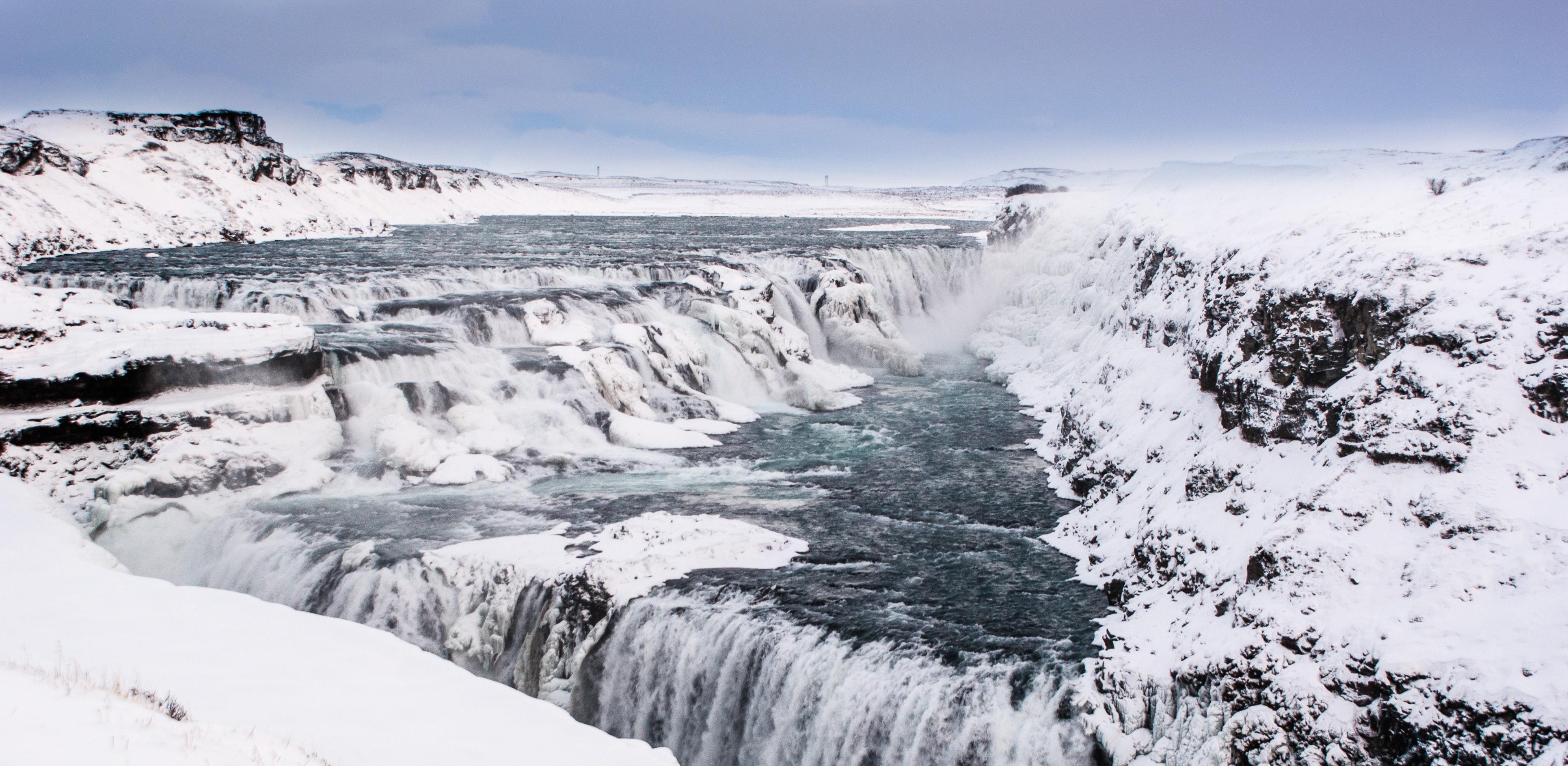 Wasserfall Gullfoss im Schnee
