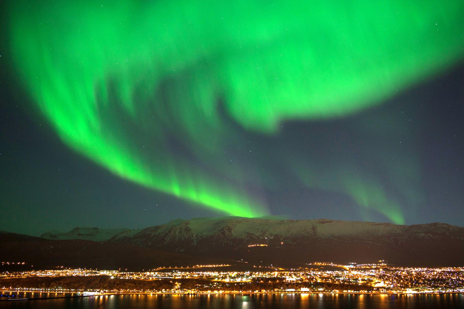 Island, Nordisland, Akureyri, Nordlicht, Polarlicht, gruen