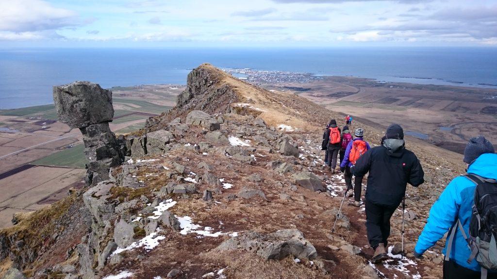 Katla Team wandert auf den Hausberg von Akranes - Akrafjall