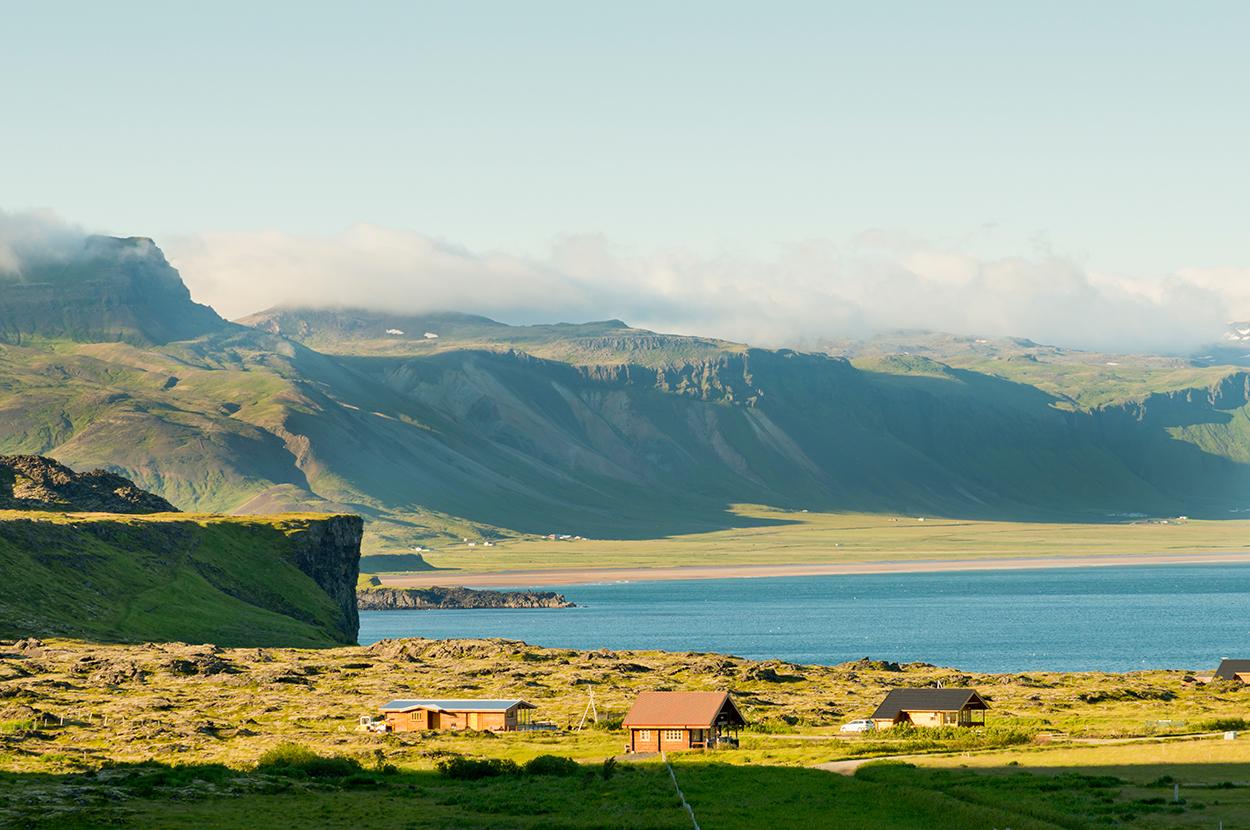 Europa, Island, Snaefellsness Halbinsel, Arnarstapi, Ferienhaeuser, Meer, WerbungPR, 7/2014