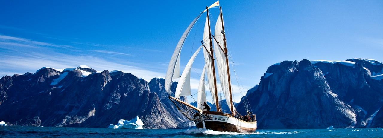 a-nice-sailing-in-scoresbysund_Panorama