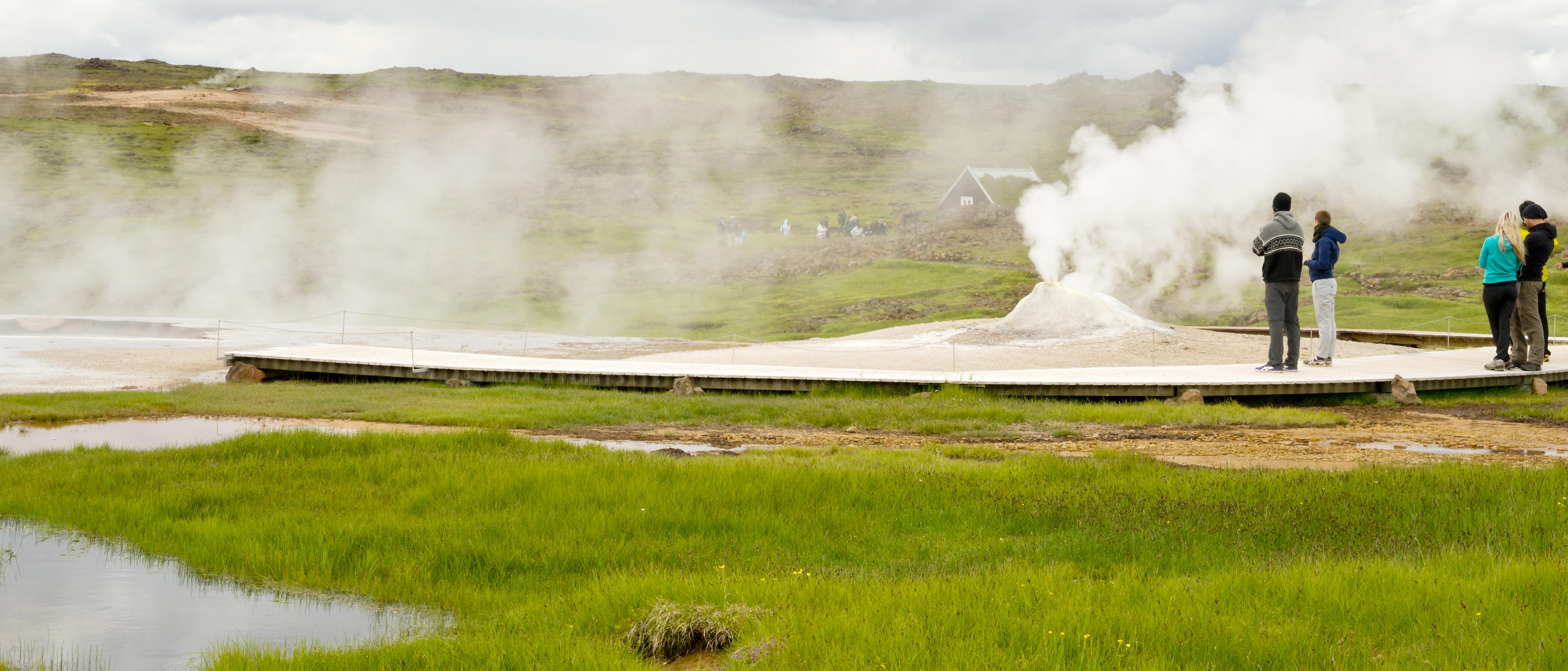 heiße Quellen mit Besuchern