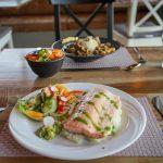 Fischgericht im Restaurant von Hotel Laekur in Südisland