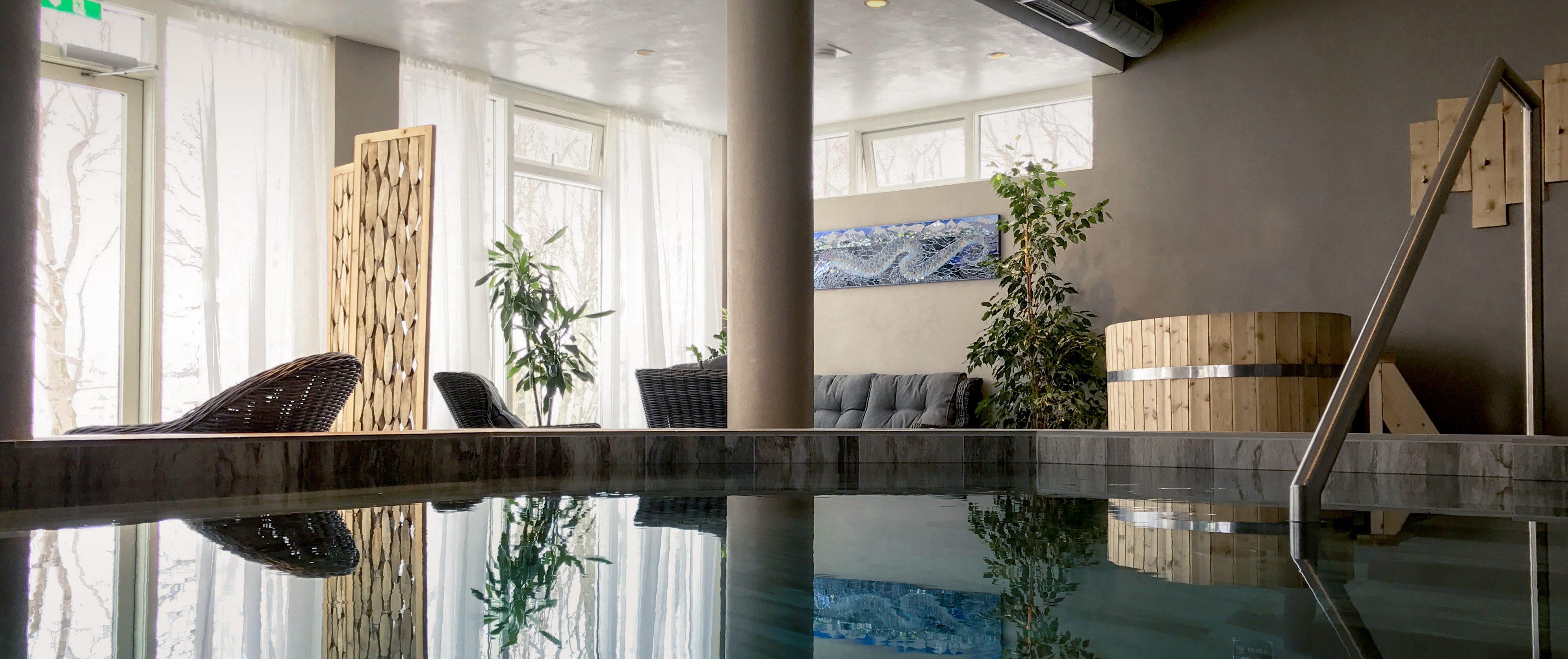island-lake-hotel-spa-wellness-bereich-panorama
