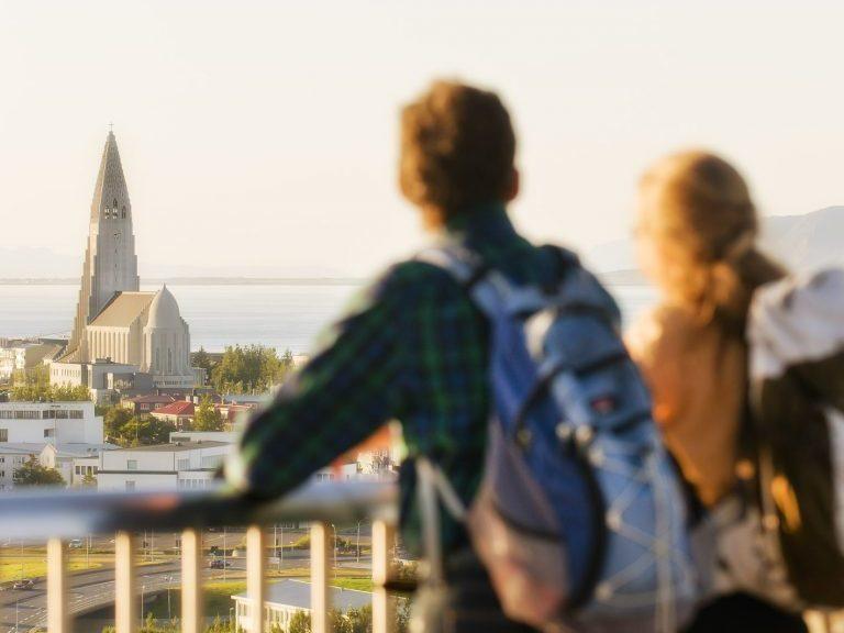 Blick auf die Hallgrimskirkja in Reykjavík