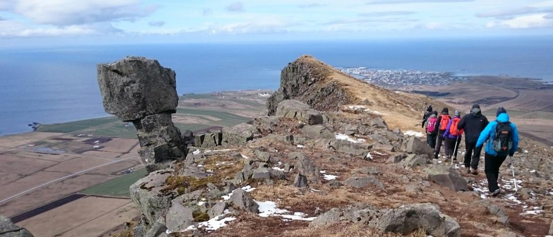Das Katla Travel Team in Island bei einer Wanderung