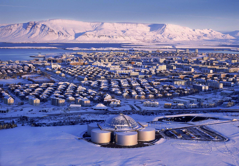 Ansicht von Wohngebieten in Reykjavik im Winter