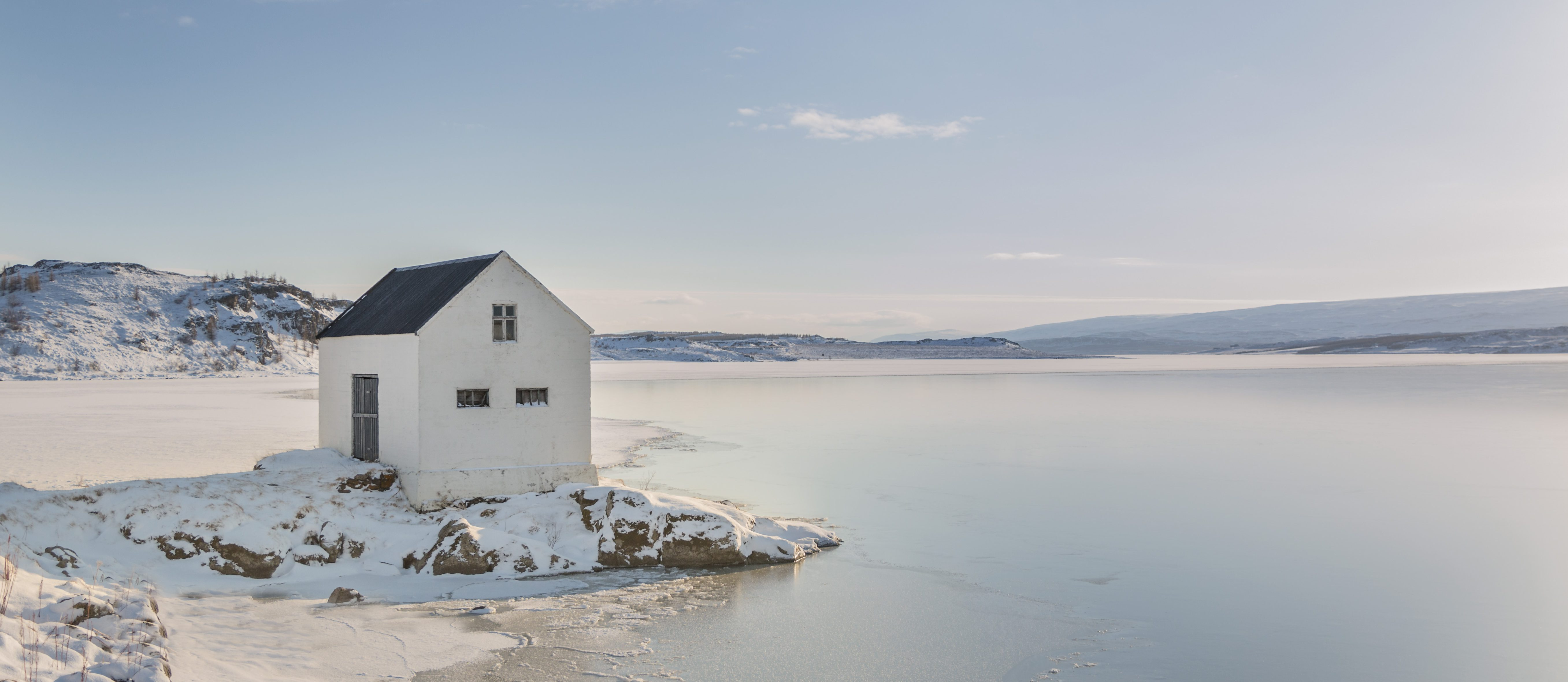 Winterlandschaft am See Lagarfljot in Ostisland