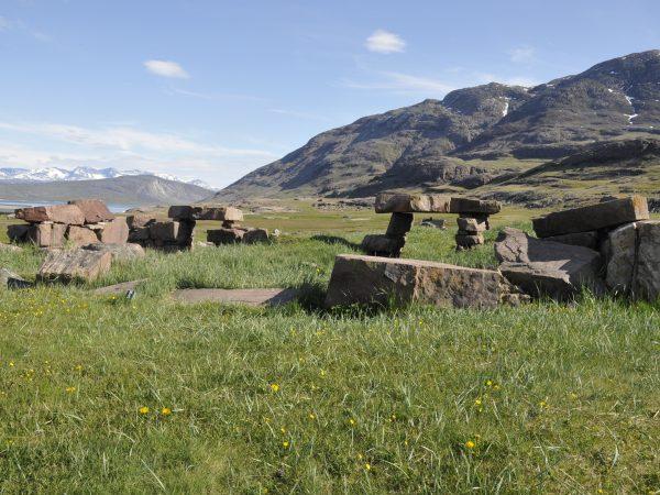 alte Fundamente einer Siedlung in Südgrönland