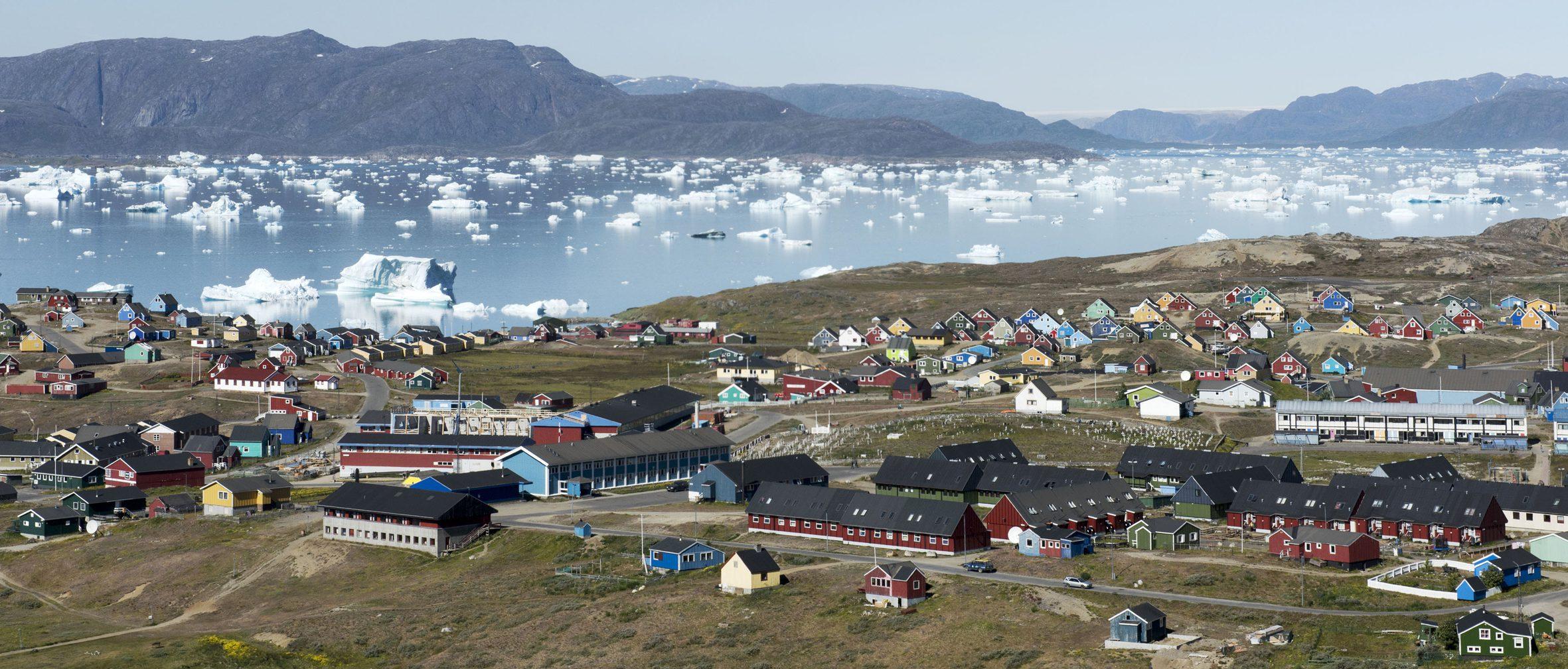 suedgroenland-siedlung-narsaq-blue-ice-explorer-panorama