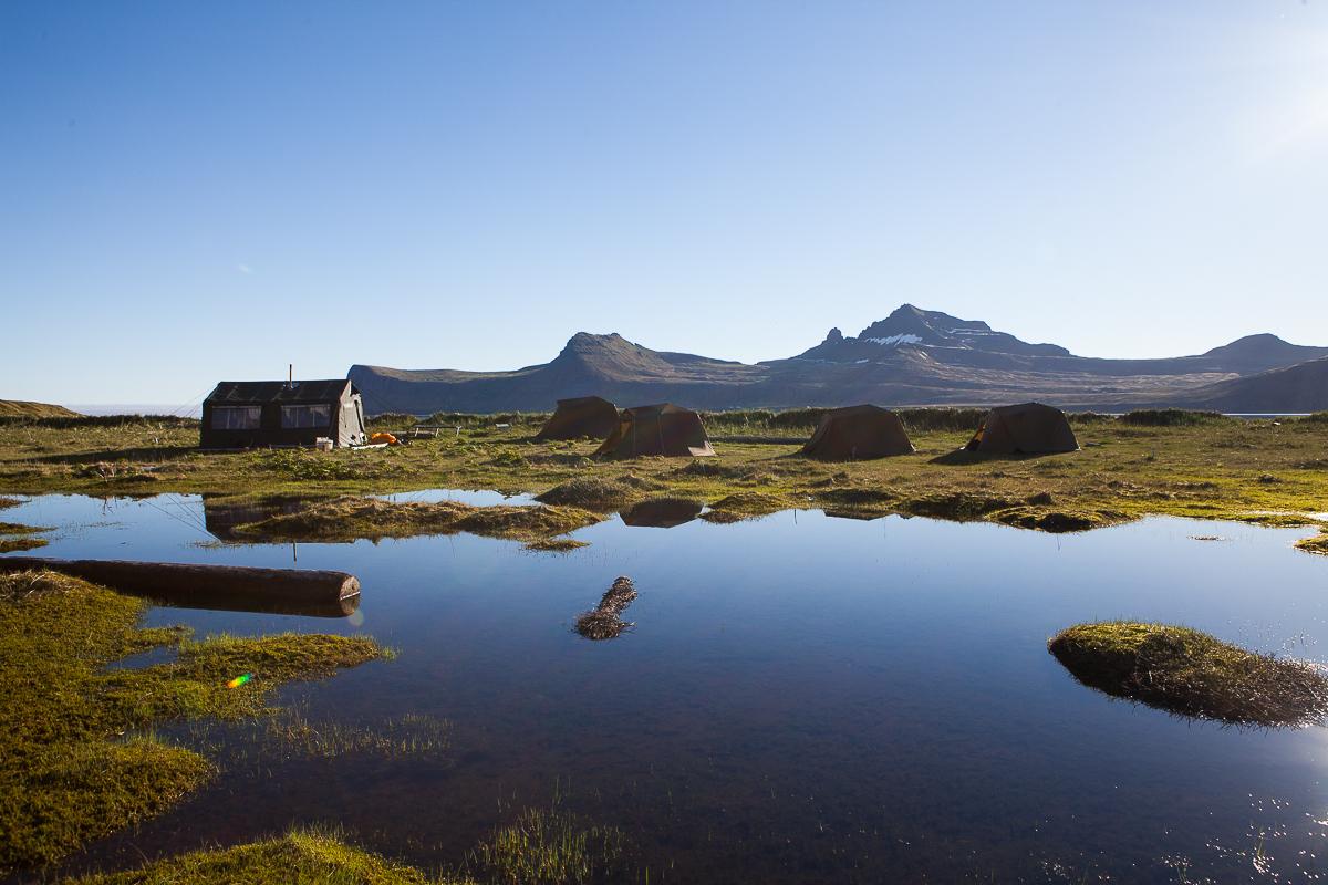 einsamkeit und Stille an einem See in den Westfjorden in Island